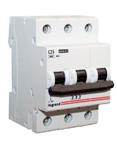 Circuit breakers LR
